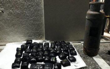 Άνδρες του Λιμενικού κατάσχεσαν 52,73 κιλά μαριχουάνας σε πλοίο
