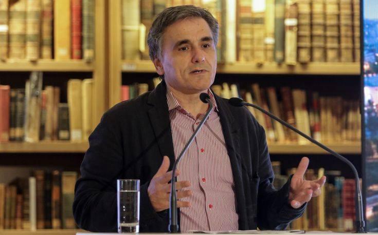 Τσακαλώτος: Ο δημόσιος τομέας μπορεί να γίνει και στην Ελλάδα μέρος της λύσης