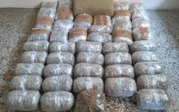 Σύλληψη δύο ανδρών στην Κοζάνη για μεταφορά πάνω από 58 κιλών κάνναβης