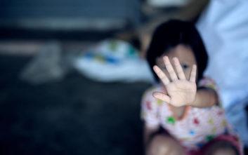 Δύο 7χρονοι κακοποίησαν σεξουαλικά μια 6χρονη αφού πρώτα είδαν πορνό στο κινητό