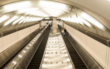 Νεαρός κατηγορείται ότι εκσπερμάτωσε πάνω σε μια γυναίκα μέσα στο μετρό