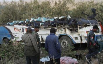 Νεκροί 51 από τους 52 επιβάτες στο λεωφορείο που έπεσε σε πλαγιά στην Κένυα