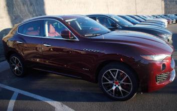 Η κυβέρνηση που αγόρασε 40 Maserati και εξόργισε τους πολίτες