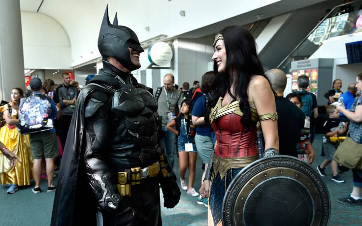 Η DC έδειξε το… πέος του Batman και έγινε κακός χαμός