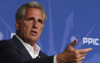 Το μπρος-πίσω στην καταγγελία για «προσπάθεια εξαγοράς» των ενδιάμεσων εκλογών στις ΗΠΑ