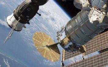 Ψάχνουν «ύποπτο» για τη διαρροή οξυγόνου στον Διεθνή Διαστημικό Σταθμό