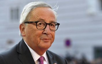 Γιούνκερ: Να καταβληθεί κάθε προσπάθεια για να αποφευχθεί ένα Brexit χωρίς συμφωνία