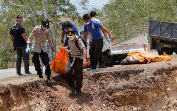 Τραγωδία δίχως τέλος στην Ινδονησία μετά τον σεισμό