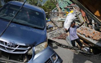 Ανεβαίνει δραματικά ο αριθμός των νεκρών στην Ινδονησία