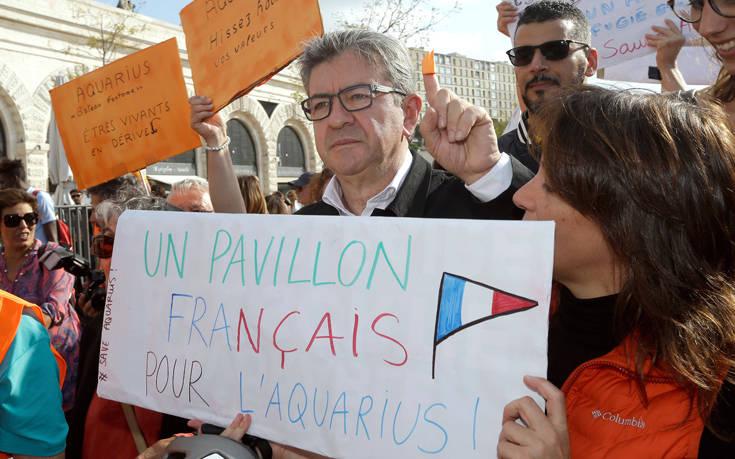 Έρευνα για απειλές και άσκηση βίας άρχισε η εισαγγελία του Παρισιού
