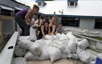 Ενισχύεται ο τυφώνας Μάικλ, σε κατάσταση έκτακτης ανάγκης η Φλόριντα