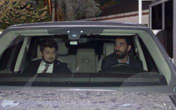 Ο Αρντά Τουράν επιτέθηκε μεθυσμένος σε γνωστό Τούρκο τραγουδιστή και του έσπασε τη μύτη