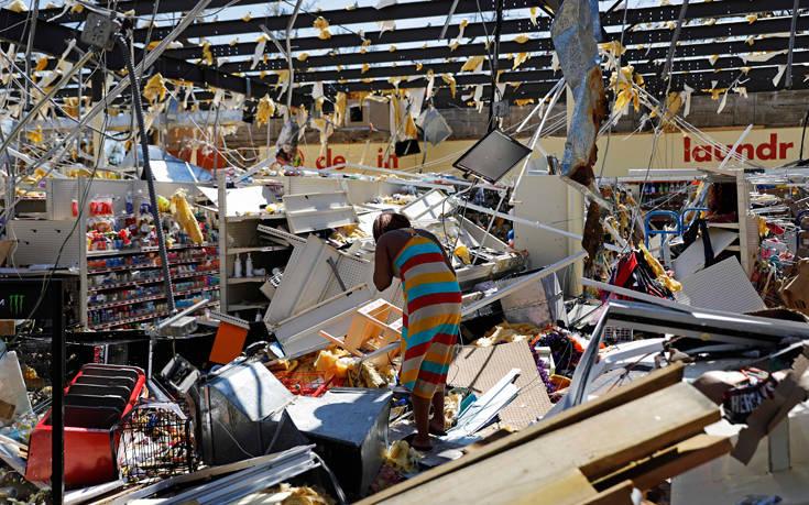 Έξι νεκροί και τεράστιες καταστροφές στη Φλόριντα