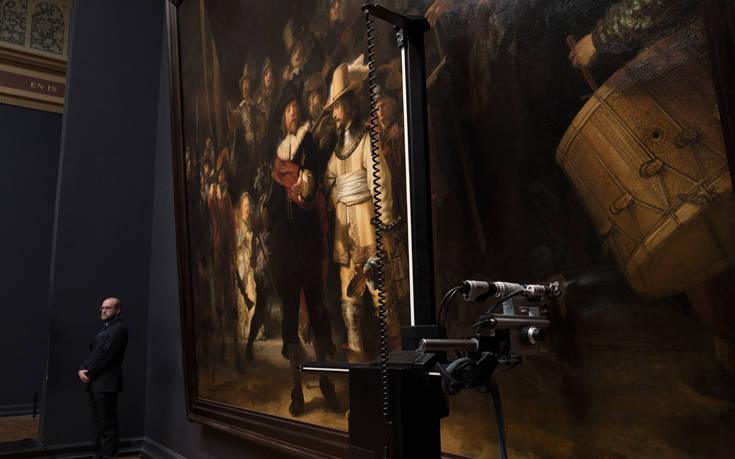 Εργασίες συντήρησης σε διάσημο πίνακα υπό το βλέμμα του κοινού και σε ζωντανή μετάδοση στο ίντερνετ