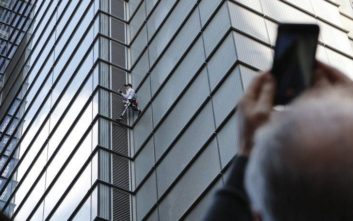 Ο Γάλλος Σπάιντερμαν σκαρφάλωσε σε ουρανοξύστη 230 μέτρων και συνελήφθη