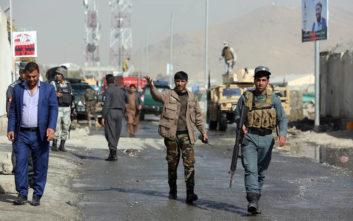 Ενέδρα Ταλιμπάν με 18 νεκρούς αστυνομικούς
