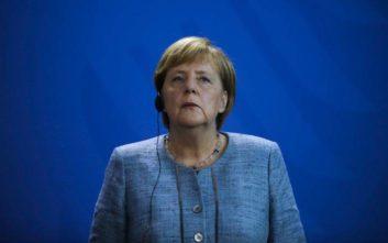 Σόιμπλε για Μέρκελ: Είναι ακόμα ισχυρή αλλά πήρε τη σωστή απόφαση