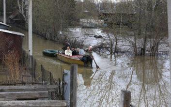 Έξι νεκροί από τις πλημμύρες στη Ρωσία