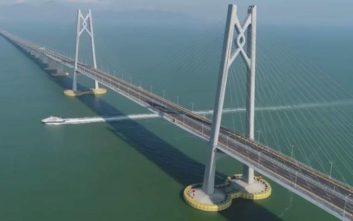 Εγκαινιάστηκε η γέφυρα-τέρας των 55 χιλιομέτρων