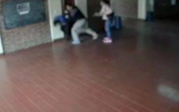 Η εκδίκηση του πατέρα όταν έμαθε ότι καθηγητής κακοποίησε σεξουαλικά την κόρη του