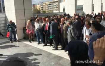 Κινητοποίηση της ΛΑΕ στο Ειρηνοδικείο για την κλήση Λαφαζάνη σε απολογία