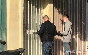 Σε αυτό το διαμέρισμα στη Νίκαια κρατούσαν τον αστυνομικό