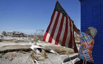 Πώς η παρατηρητικότητα μιας γυναίκας έσωσε μια οικογένεια μετά τον τυφώνα