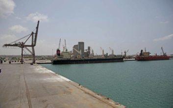 Στο Άντεν της Υεμένης το πρώτο φορτίο πετρελαϊκών προϊόντων από τη Σαουδική Αραβία