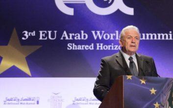 Αβραμόπουλος: Μείζον ζήτημα για την Ευρώπη και τις αραβικές χώρες η διαχείριση του προσφυγικού