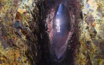 Μαγευτικές εικόνες από τα «πολύχρωμα σπήλαια» της Ισλανδίας