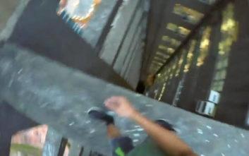 Δείτε δυο τύπους να κάνουν παλαβά στον… 55ο όροφο