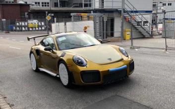 Η χρυσή Porsche με τη σπέσιαλ βαφή των 82.600 ευρώ