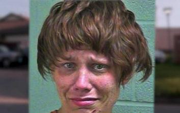 Αφού έκλεψε χρήματα και κλειδιά αυτοκινήτου άφησε ένα αηδιαστικό ενθύμιο