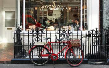 Ελληνικά εστιατόρια που κάνουν τους Λονδρέζους να… παραμιλούν