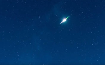Απίθανο βίντεο πιάνει έκρηξη μετεωρίτη