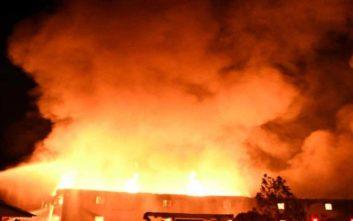 Μεγάλη φωτιά σε επιχείρηση καπνού στην Καβάλα