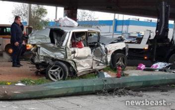 Από αυτό το αυτοκίνητο απεγκλωβίστηκε τραυματίας οδηγός στον Κηφισό