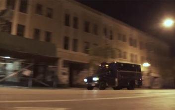 Ο πραγματικός «Ghostbuster» που κυνηγά τα φαντάσματα με το τροποποιημένο όχημά του