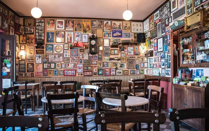 Παραδοσιακά καφενεία στην Ελλάδα που ταξιδεύουν στο χθες