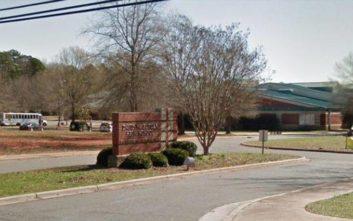 Πυροβολισμοί με τραυματία σε σχολείο στη Βόρεια Καρολίνα
