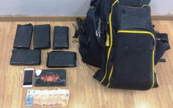 Συνελήφθη στην Αθήνα 25χρονο μοντέλο από τη Βραζιλία με 6,7 κιλά κοκαΐνη