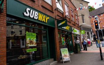 Υπάλληλος σαντουιτσάδικου αποκαλύπτει ποιο σάντουιτς πρέπει να αποφεύγουμε πάση θυσία