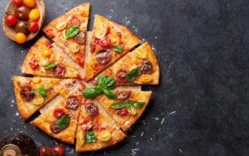 Παρήγγειλε vegan πίτσα, της σέρβιραν αυτό το… τερατούργημα