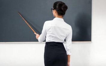 Τα δώρα της δασκάλας στον ανήλικο μαθητή για να τον αποπλανήσει