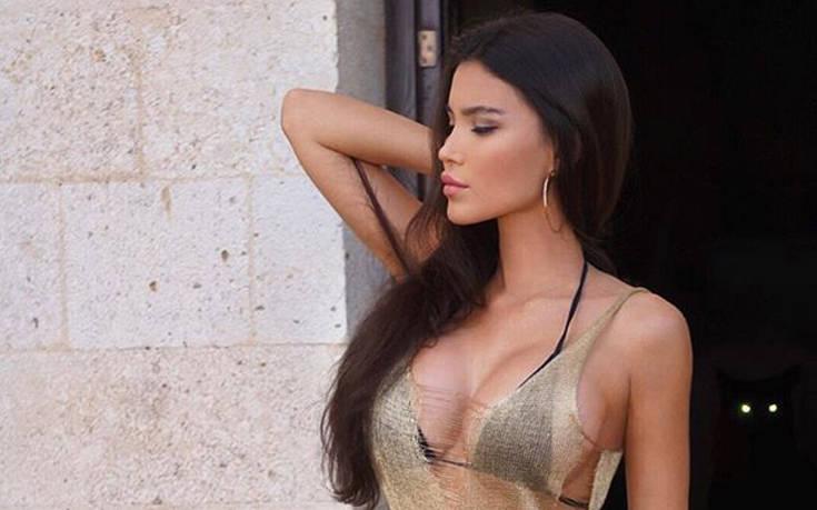 Η Sveta Bilyalova είναι ο ορισμός της θηλυκότητας