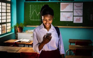Το Ίδρυμα Vodafone και το Girl Effect συνδέουν 7 εκατ. ευάλωτες έφηβες σε οκτώ χώρες