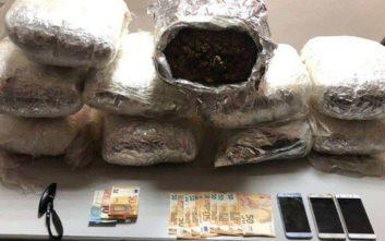 Συνελήφθη ζευγάρι για κατοχή 20 κιλών κάνναβης στα Χανιά