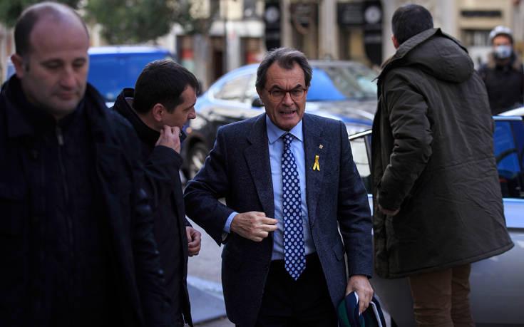 Πρώην πρόεδρος της Καταλονίας καταδικάστηκε να πληρώσει 4,9 εκατ. ευρώ