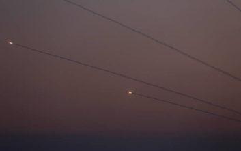 Τέσσερις άνθρωποι σκοτώθηκαν στο Ισραήλ από ρουκέτες που εκτοξεύτηκαν από τη Γάζα