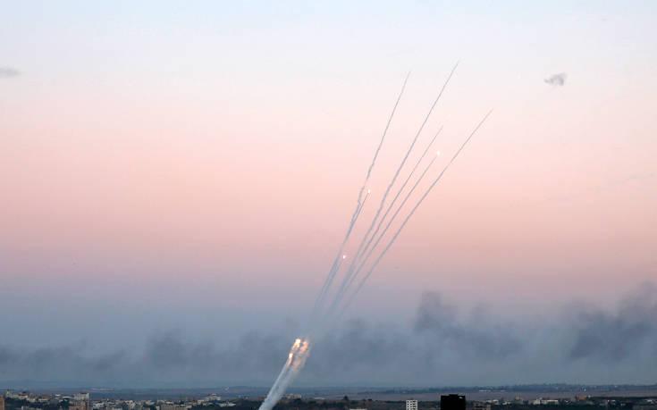 Καταστράφηκαν τα στούντιο καναλιού της Γάζας από ισραηλινή επιδρομή